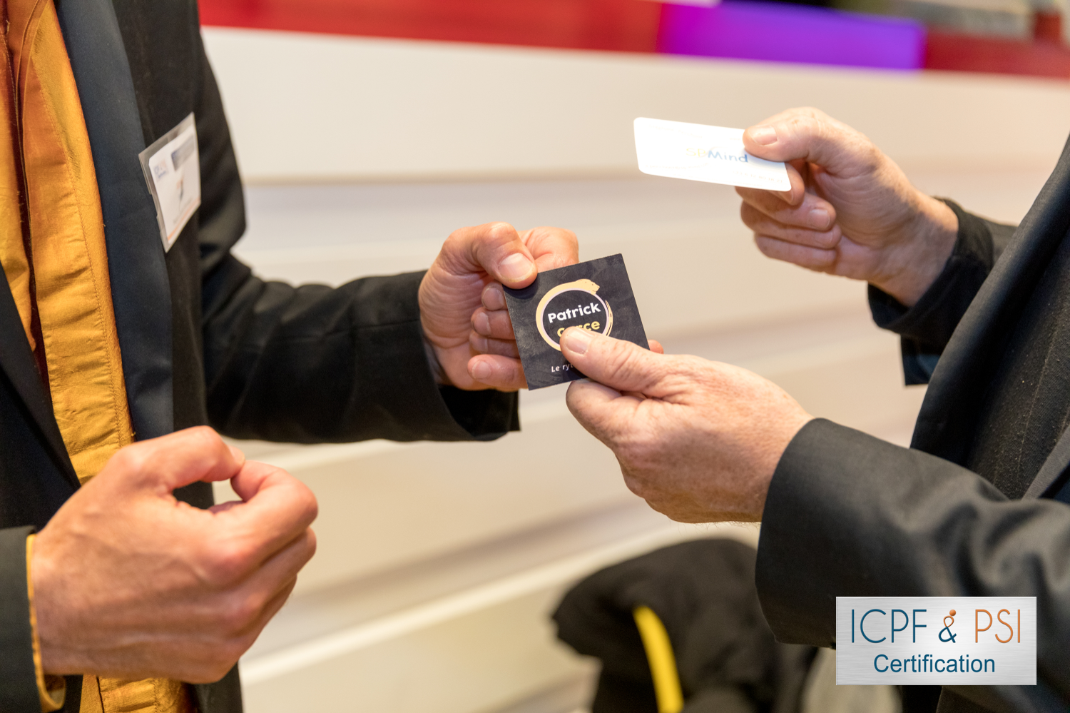 Echange carte business soirée networking ICPF 14 mai 2019